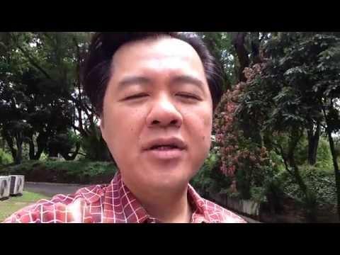 Halamang-singaw sa kuko daliri sa paa ng doktor na titingin