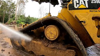 Pressure Washing the Dirtiest Skid Steer Ever !?