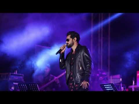Naino Ne Bandhi   Yasser Desai Live   GOLD