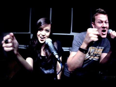 Ouvir Domino (feat. Megan Nicole)