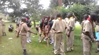 preview picture of video 'jinja scouts make a seesaw using local material'