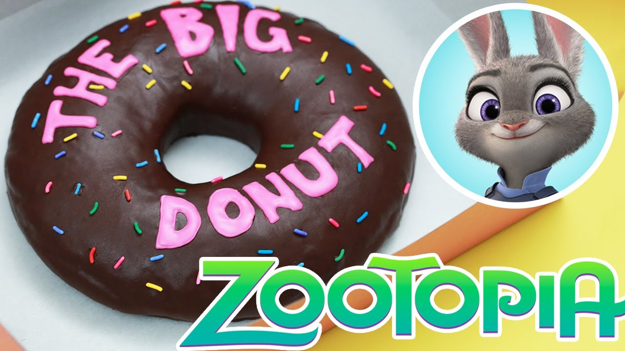 Rosanna Pansino makes the Big Donut on Nerdy Nummies!