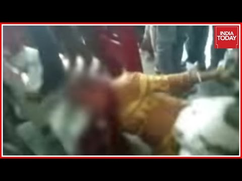 Muslim Women Beaten Up By Hindu Dal Activists For Possession Of Beef