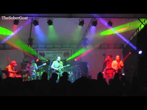 Grant Hudson performing with Captain Green at Lil' Econ Love Fest 2/13/16 featuring a guitar solo by Grant at minute 3:15.