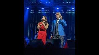 Canto della Terra Andrea Bocelli junto a Cristal Marie