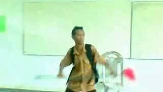 preview picture of video 'Penampakan di sekolah SMA 4 SAMARINDA'