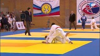 В «Кубке Новгородского кремля» приняли участие более 300 юных дзюдоистов