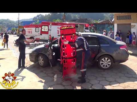 Samu de Juquitiba realiza simulação de acidente de trânsito no projeto do Colégio Arcos Íris