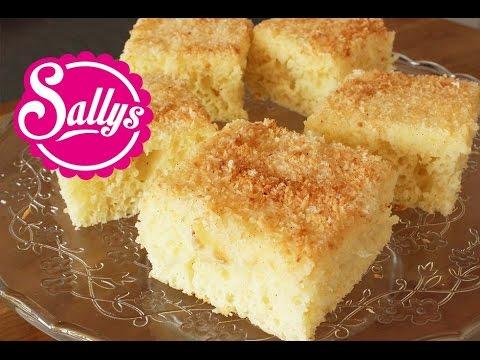 Kokoskuchen im Blech / einfacher Blechkuchen mit Buttermilch / sehr saftig / Sallys Welt