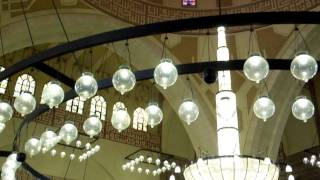 preview picture of video 'Al-Fateh Grand Mosque'