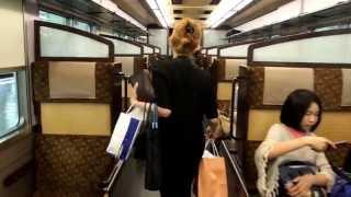 阪急電鉄6300系「京とれいん」車内。