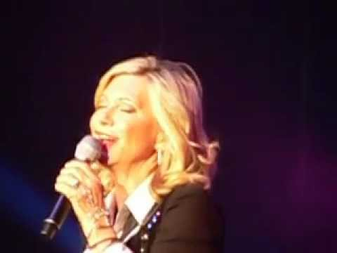 Olivia Newton-John Atlantic City 11/17/12 Suspended In Time