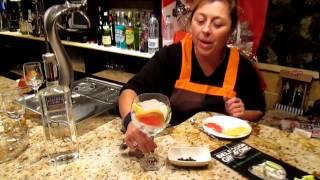 preview picture of video 'Cómo hacer un Gintonic. Rumor Alpujarra Almería. Dulce & Amargo Café. Alhama de Almería'