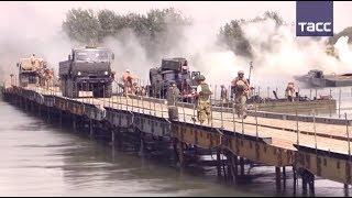 Российские военные возвели мост через Евфрат в Сирии