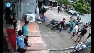 Ăn trộm xe SH bị bắt quả tang, đánh không thương tiếc
