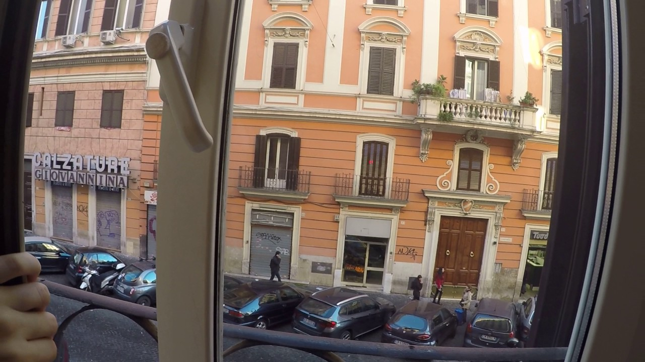 Double bed in room for rent in 2-bedroom apartment in Esquilino