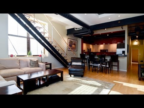 West Loop duplex loft offers skyline views