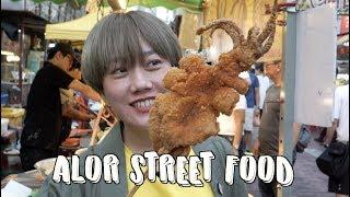 Mengintip Street Food di Jalan Alor Bersama Food Vlogger Ria SW