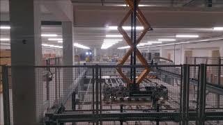 Enorme vacuümheffer van Schelling platenmagazijn op etage.