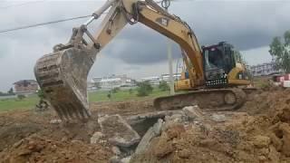 Good Job Excavator CAT 320CL Skill Concrete And Rock Digging