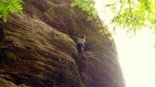 preview picture of video 'Arne climbing Lionel Terray (Berdorf)'