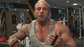 preview picture of video 'Neale Cranwell : Training Shoulders'