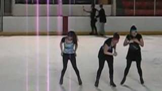 preview picture of video 'Elmira College Ice Skating Performance'