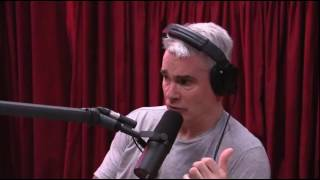 Henry Rollins tells the story of how he got started doing spoken word gigs. Taken from The Joe Rogan Experience podcast #906. http://podcasts.joerogan.net/po...