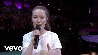 Sigrid - Strangers (Live at The Graham Norton Show / 2018)