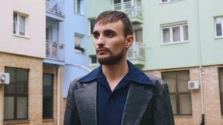 Kadr z teledysku Czarek tekst piosenki Bober