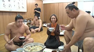 Dining with Sumo Wrestlers - GRAND SUMO SECRETS