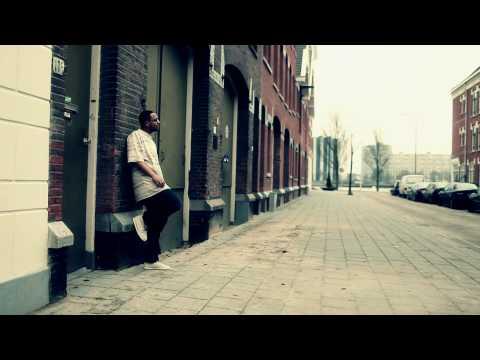 Zwarte Lijst - Loop Op De Straat (Official Video)