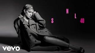 Rihanna - American Oxygen (Live on SNL)
