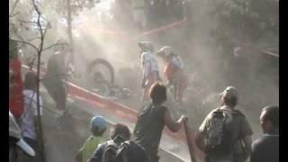 preview picture of video 'Situaciones divertidas-Campeonato del Mundo de trial-Tona (Barcelona) 2009'