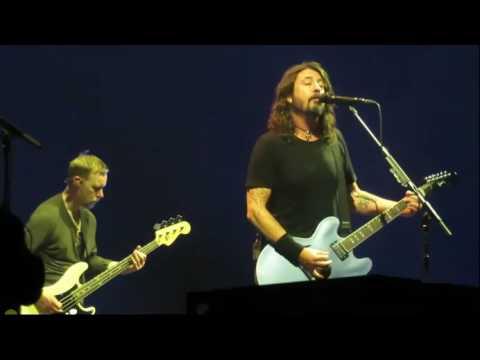 Foo Fighters - Dirty Water (Surprise Debut) - 07/03/2017 @ AccorHotels Arena, Paris FR