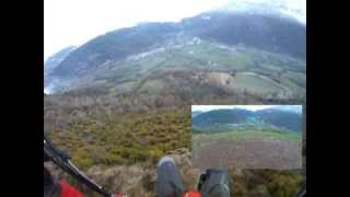 preview picture of video 'Parapente Semana Santa 2012 en Castejón de Sos - Paragliding at Pyrenees (Spain)'