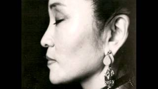 Yungchen Lhamo feat. Annie Lennox - Fade Away