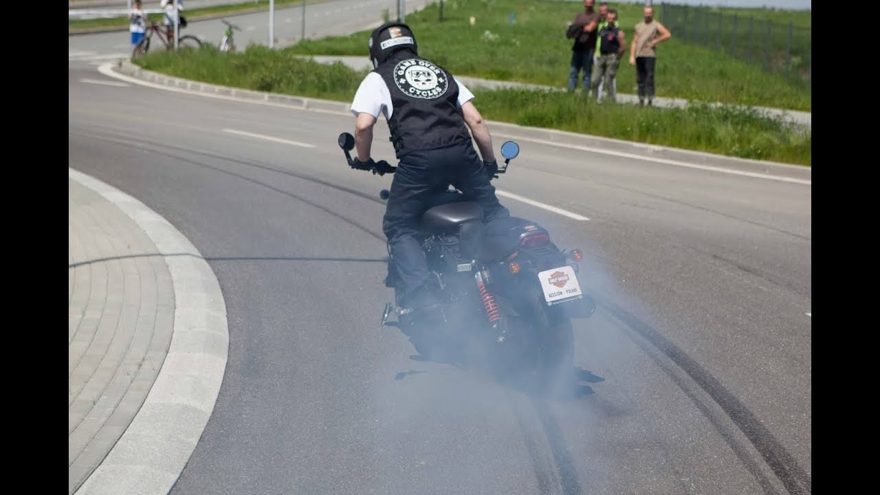 RECORD MONDIALE DI BURN OUT CON UN'HARLEY
