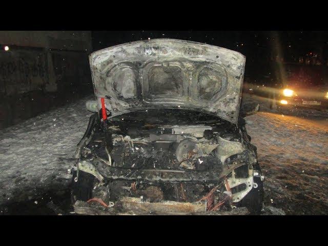 Два авто сгорело в городе