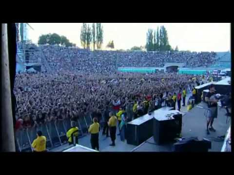 Red Hot Chili Peppers - Intro Jam live at Chorzów, Poland 2007