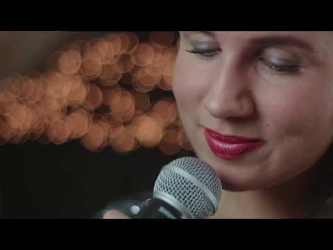 Kim Sings Video