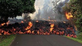 На Гавайях вулканическая лава сожгла 35 домов