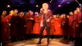 Anne Murray - Put Your Hand In The Hand (Live)