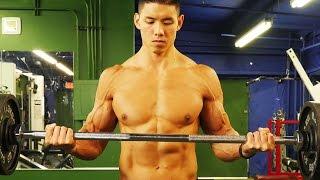 手臂二頭訓練 - Mike Chang 出處 SixPackAbs.com