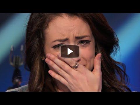 Esta Chica De Ataques De Pánico Pero Cuando Comenzó A Cantar Sucedió Algo Que No Vas A Poder Creer