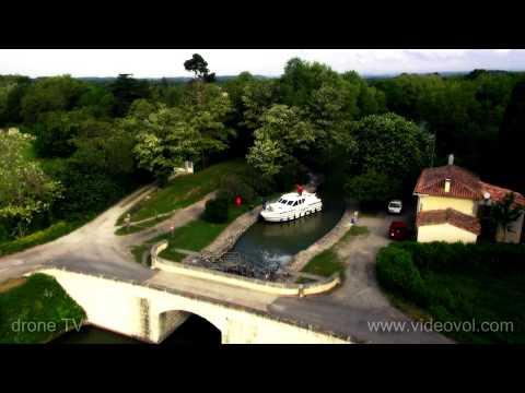 Carcassonne, le canal du midi, filmé par