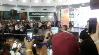 """Morissette kahit PAOS kinanta pa rin ang buwisbuhay Song nya """"Akin ka na lang"""" (Robinsons Mall Lipa)"""