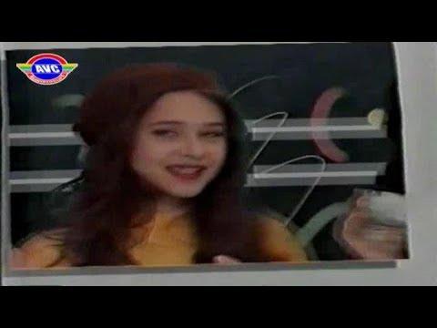 نيللي كريم في إعلان مبيد حشري في صباها