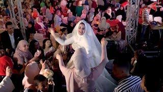 اغاني طرب MP3 العروسه تنزل من الكوشة وسط اصحبها على الارض كسرت الفرح مع العريس تحميل MP3