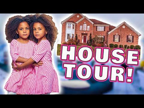 VIRTUAL REALITY HOUSE TOUR!!